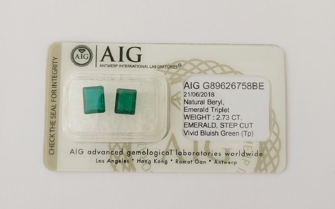 Couple of 2 Emerald's Vivid Bluish Green 2.73 ct