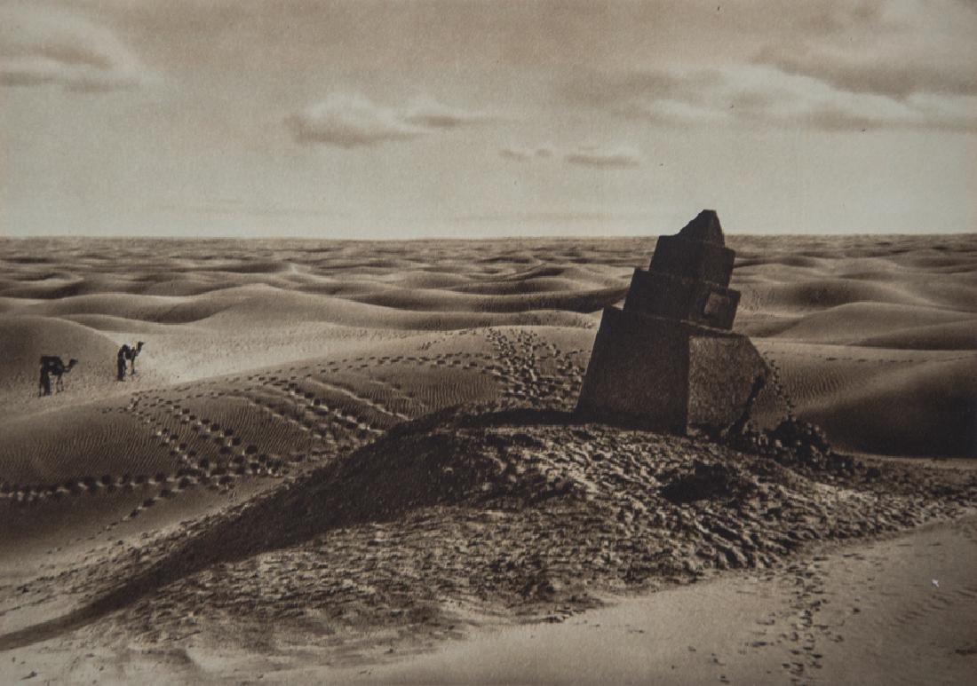 LEHNERT & LANDROCK - Mile-Stone in the Desert