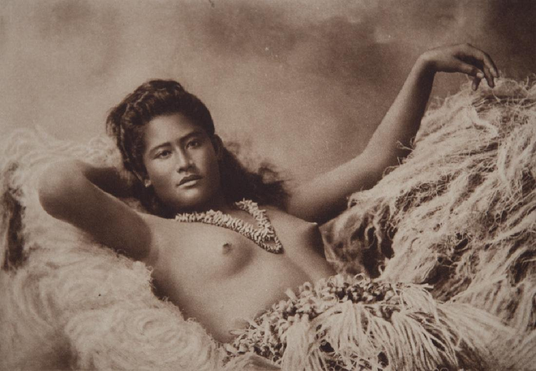 UNKNOWN - Samoan Woman