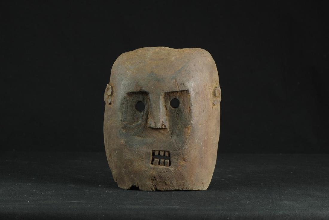 Self standing mask with teeth - 2