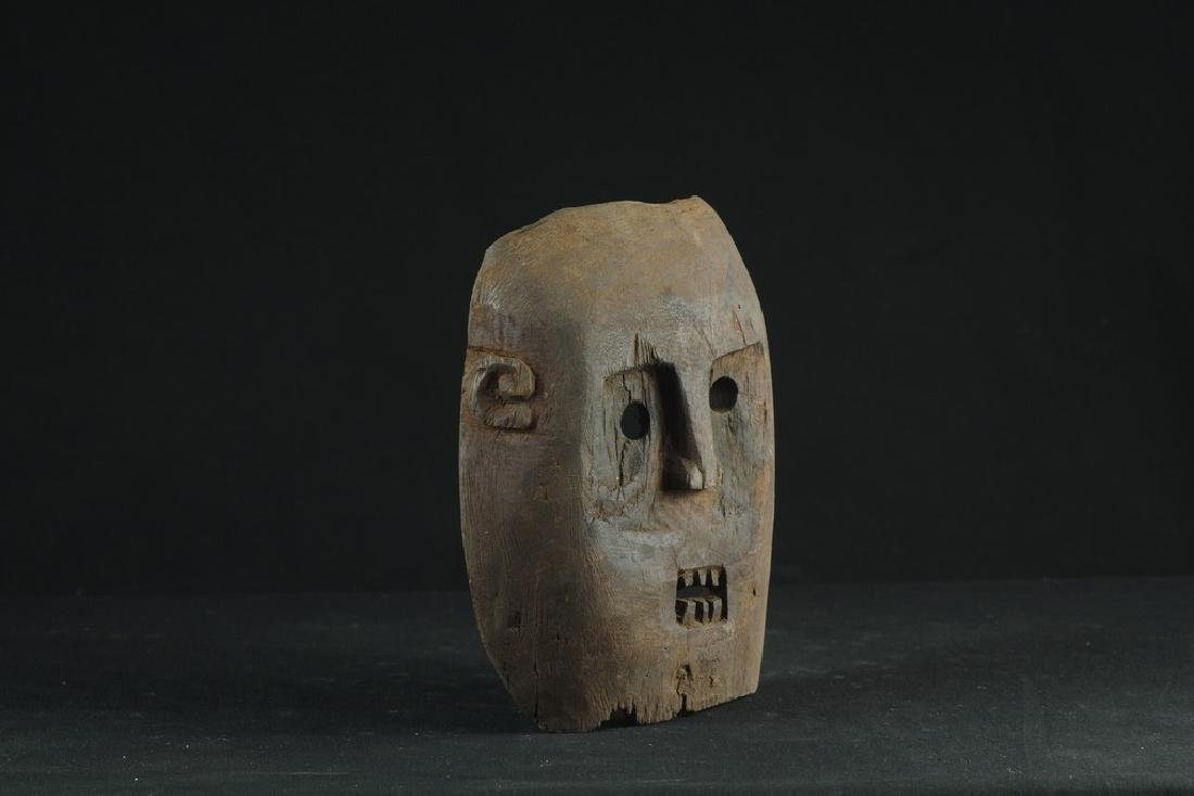 Self standing mask with teeth - 3