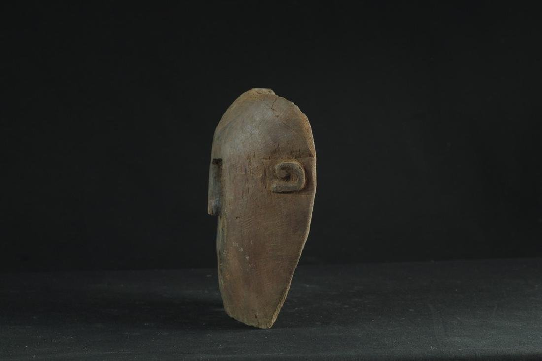 Self standing mask with teeth - 5