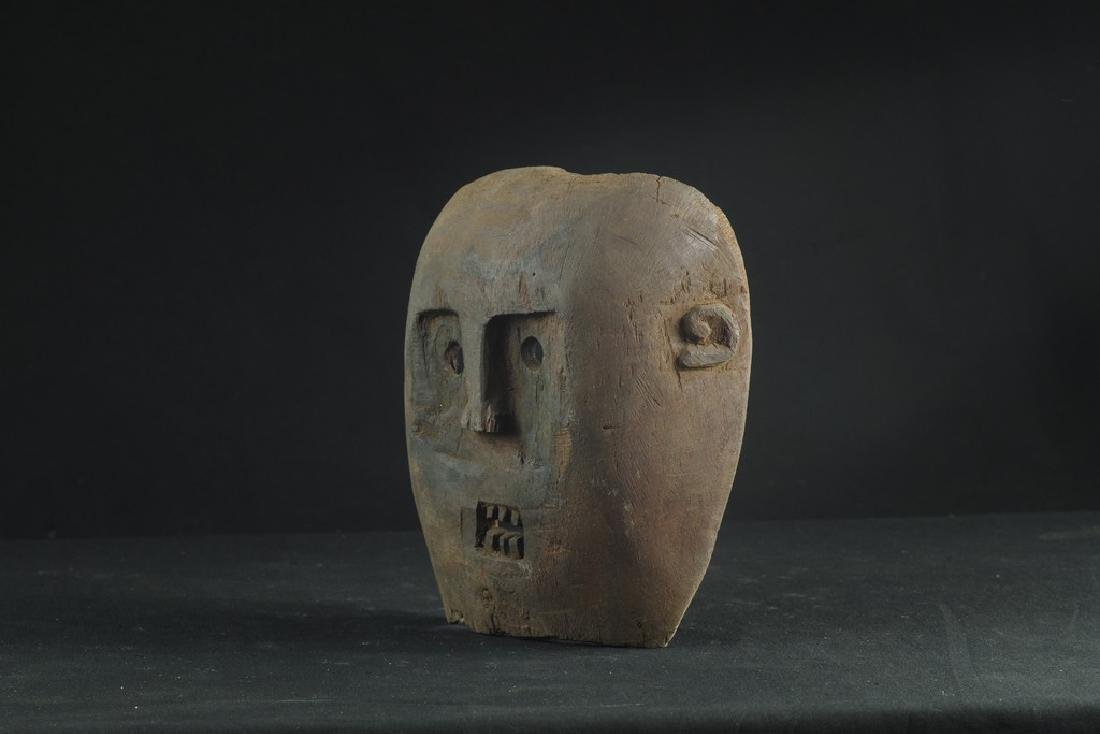 Self standing mask with teeth - 6