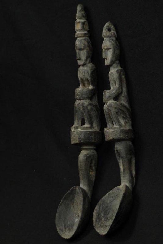 Pair of horn spoons carved as ancestors - 2
