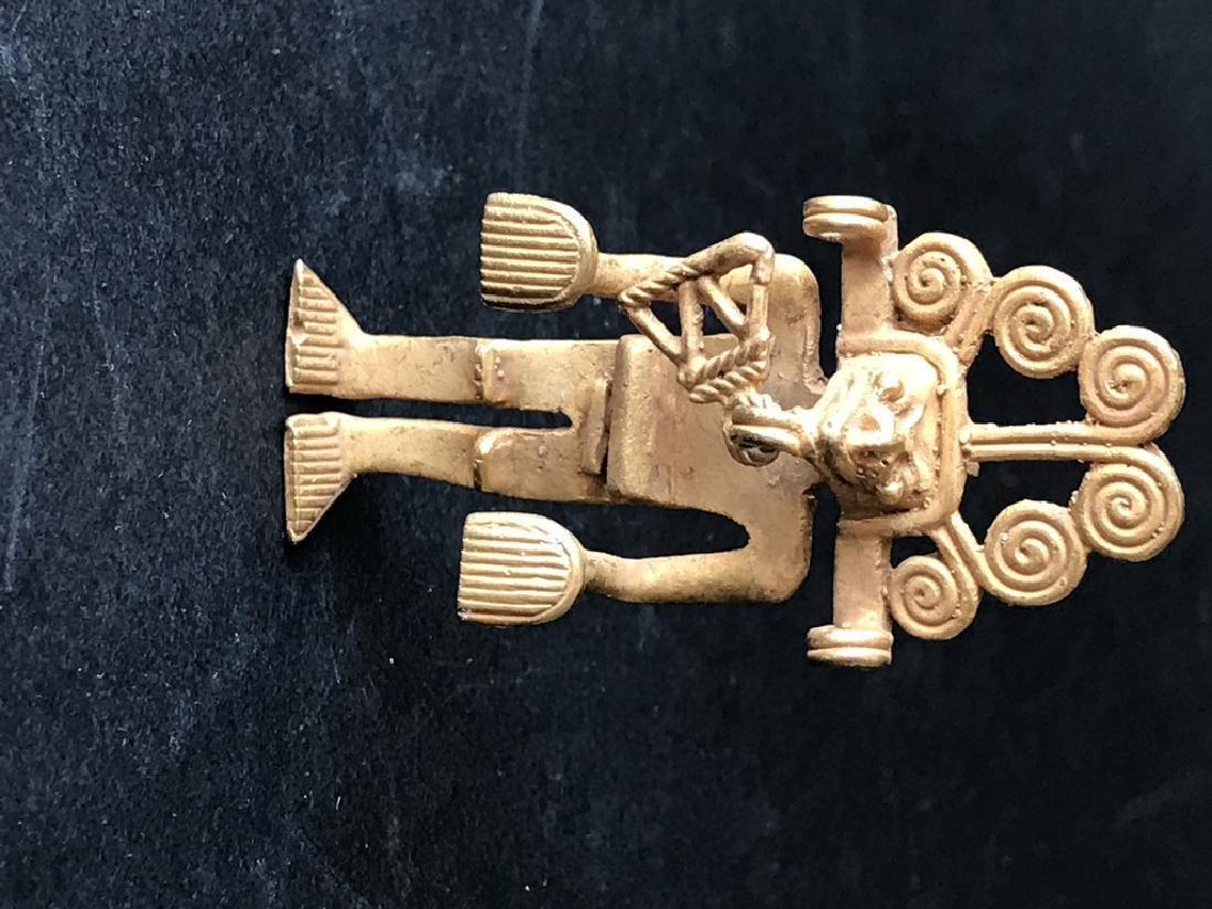Pre-Columbian art in tumbago- Man shaped pendant with - 3