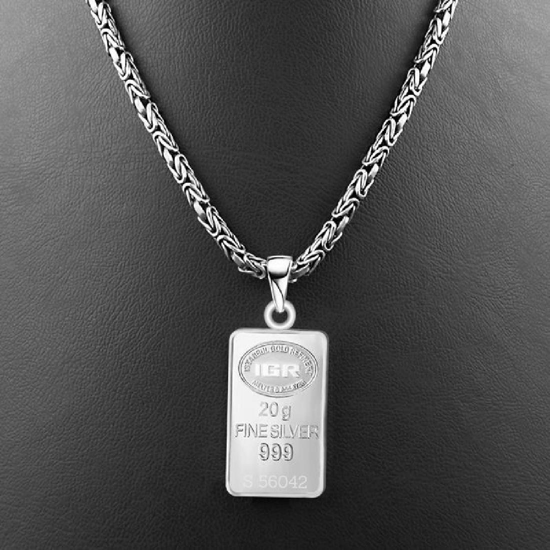 20gr. pendant + 24 gr. Chains: - 999/1000 - Minted
