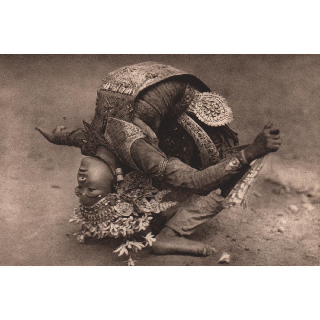 HUGO BERNATZIK - Legon Dancer of Bali