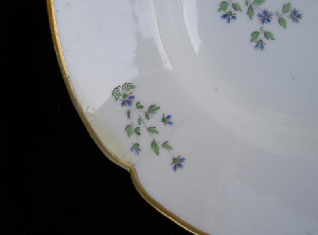Porcelaine à la Reine platter in the Cornflower Sprig - 3