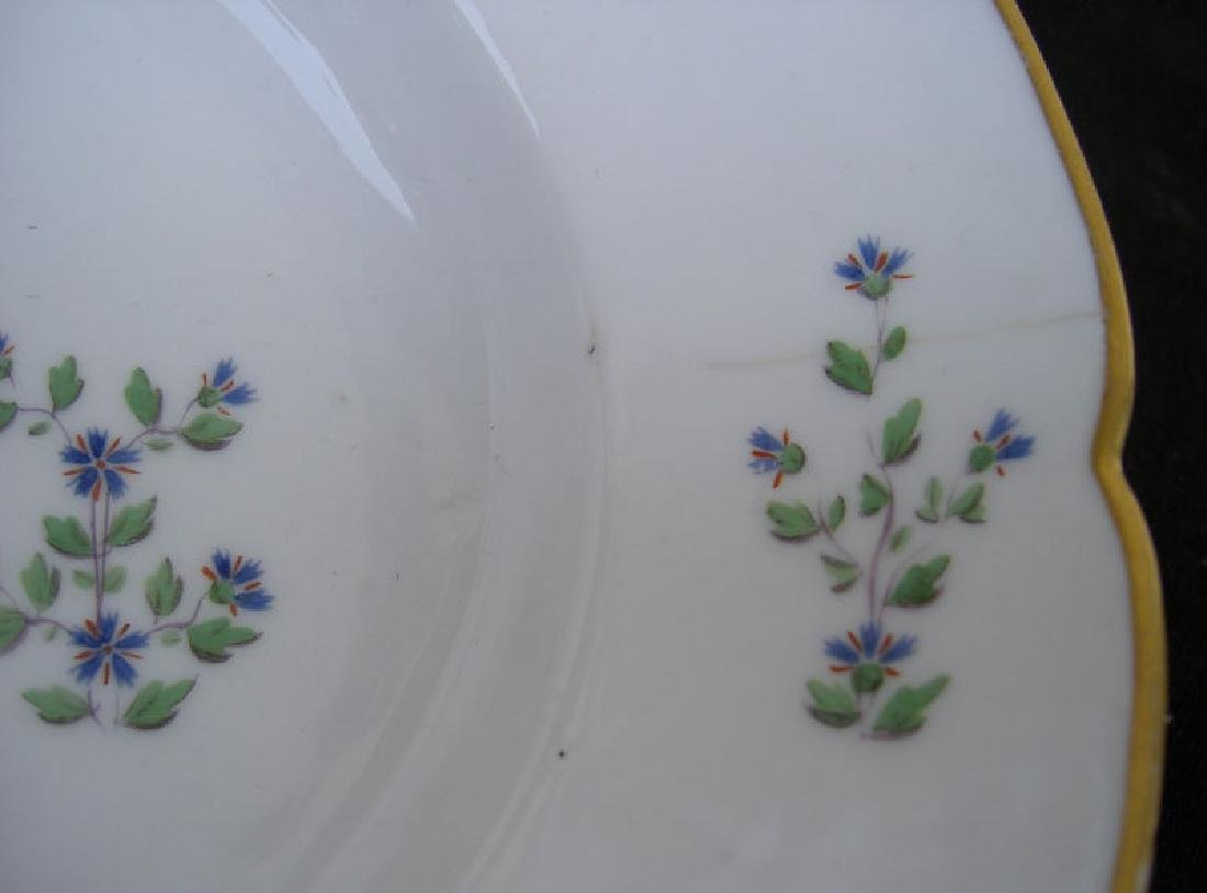 Porcelaine à la Reine platter in the Cornflower Sprig - 4