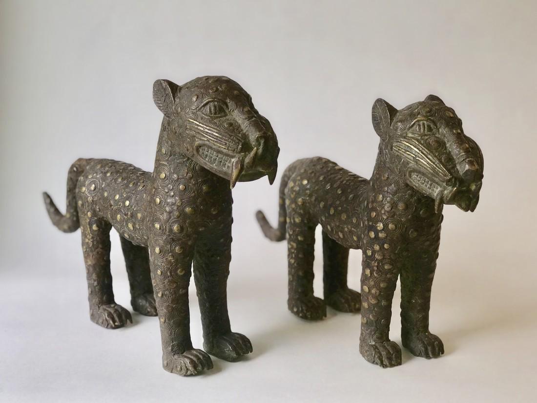 Pair bronze cats - 2