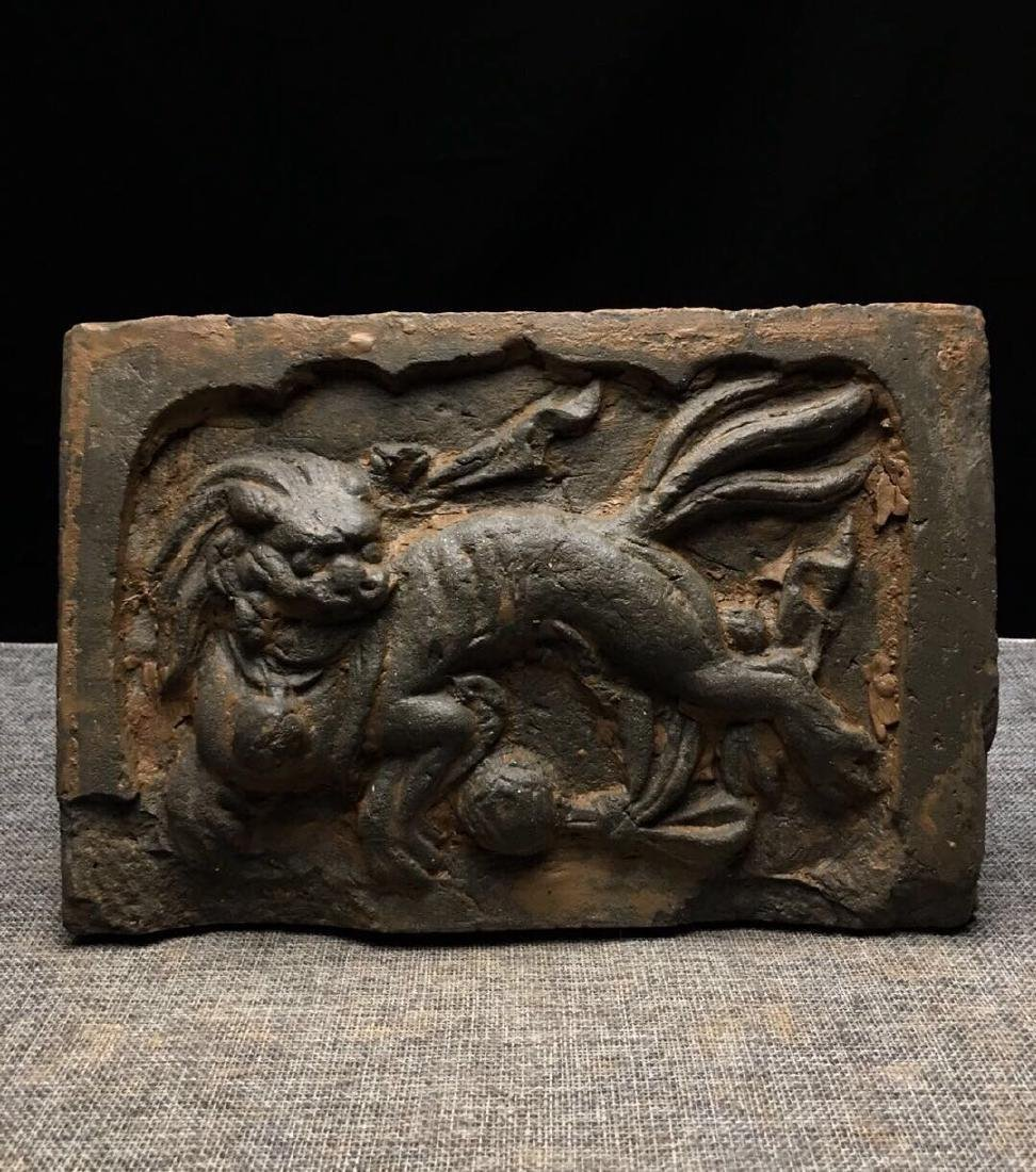 Lion stone carving artwork - 3
