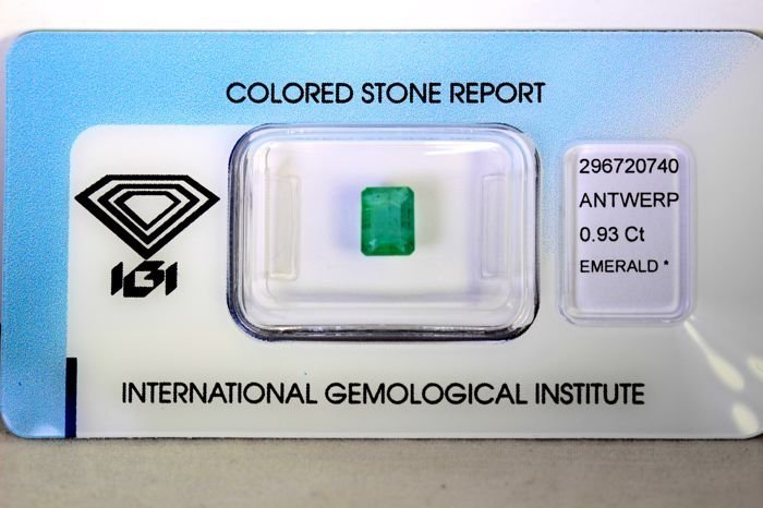 IGI Certified Seal -  Emerald - 0.93 ct - Zambua