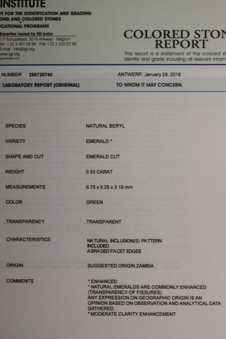 IGI Certified Seal -  Emerald - 0.93 ct - Zambua - 5