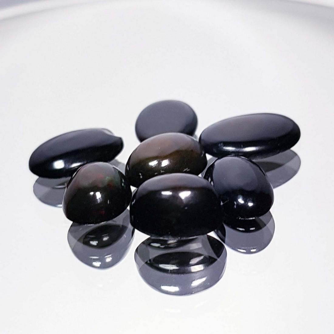 7 Pcs Of Black Opal - 7.24 ct - 3