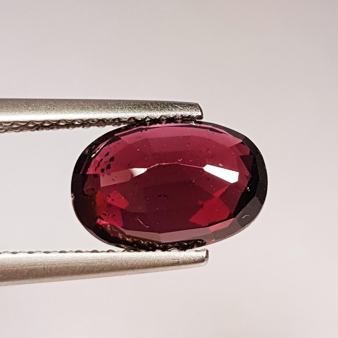 Natural Rhodolite Garnet - 4.10 ct - 3