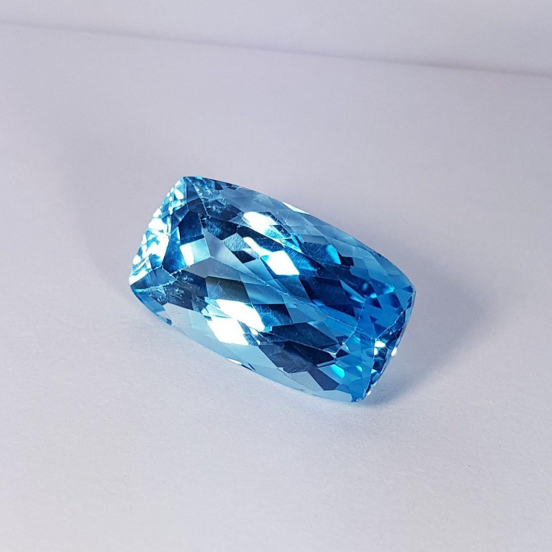Natural Swiss Blue Topaz - 23.40 ct - 3