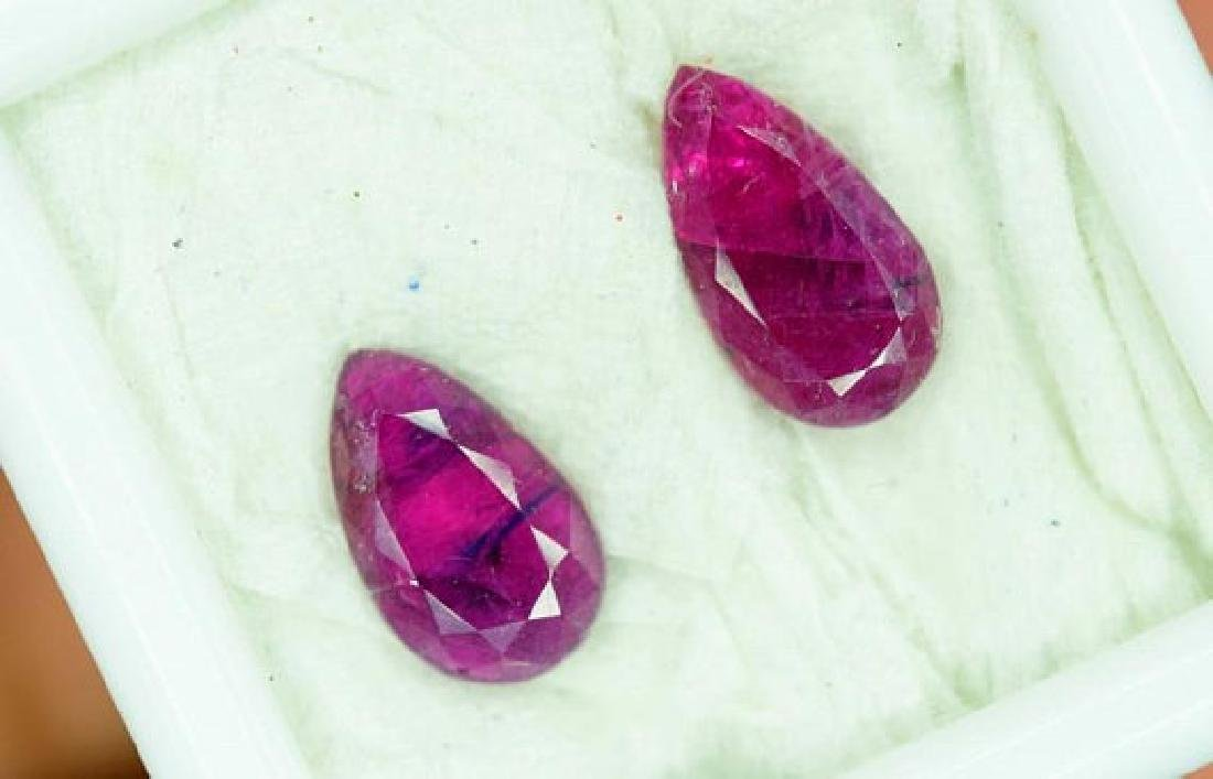 2.60 Carats ~ Pear Cut Pair of Natural Ruby - Gemstone - 3