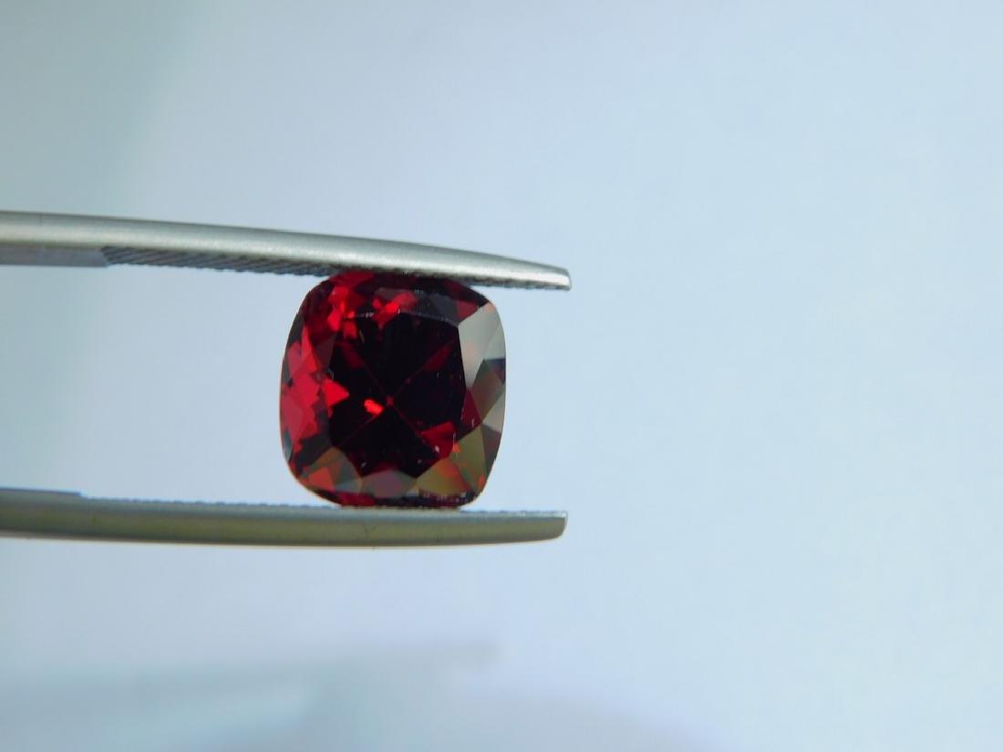 Vivid Red Rhodolite 5.00 Cts - 3