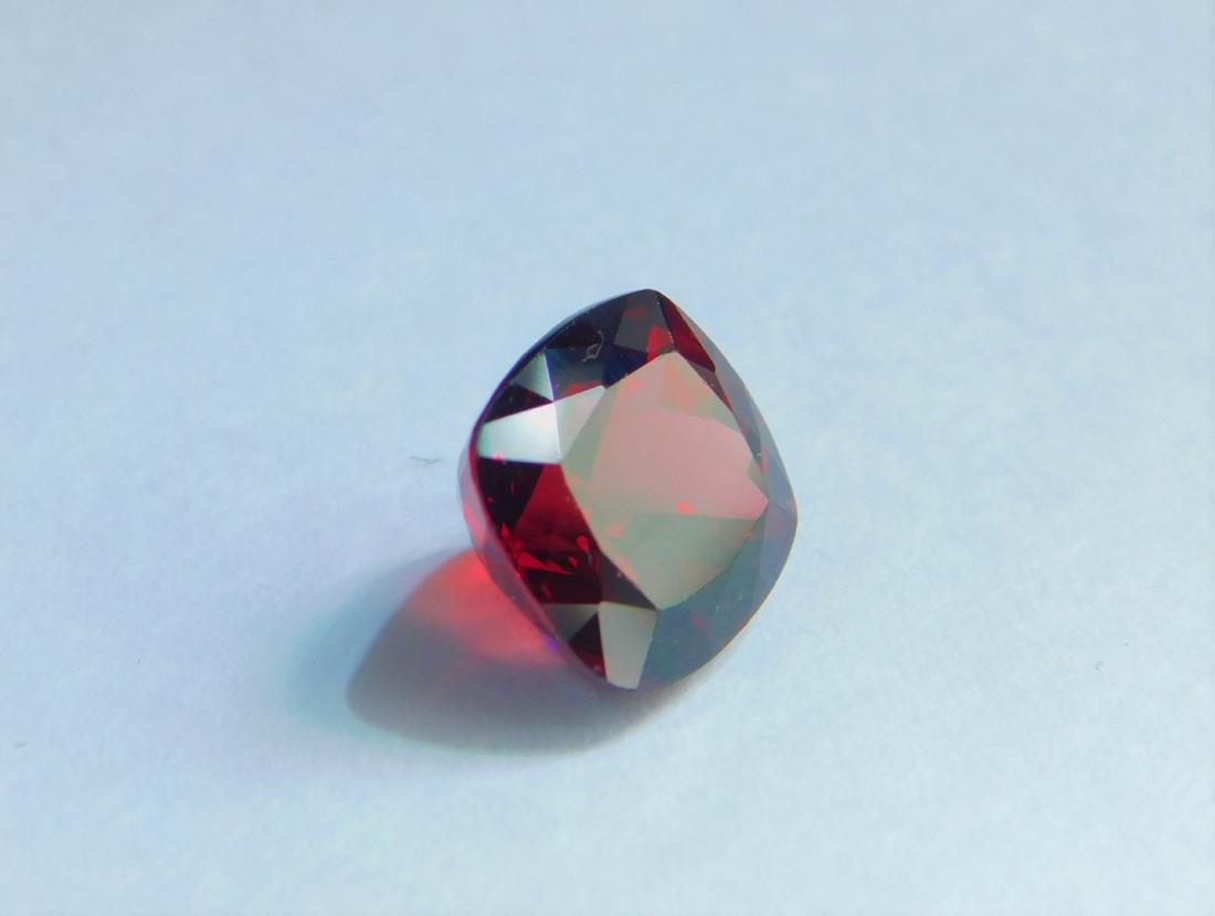 Vivid Red Rhodolite 5.00 Cts - 4