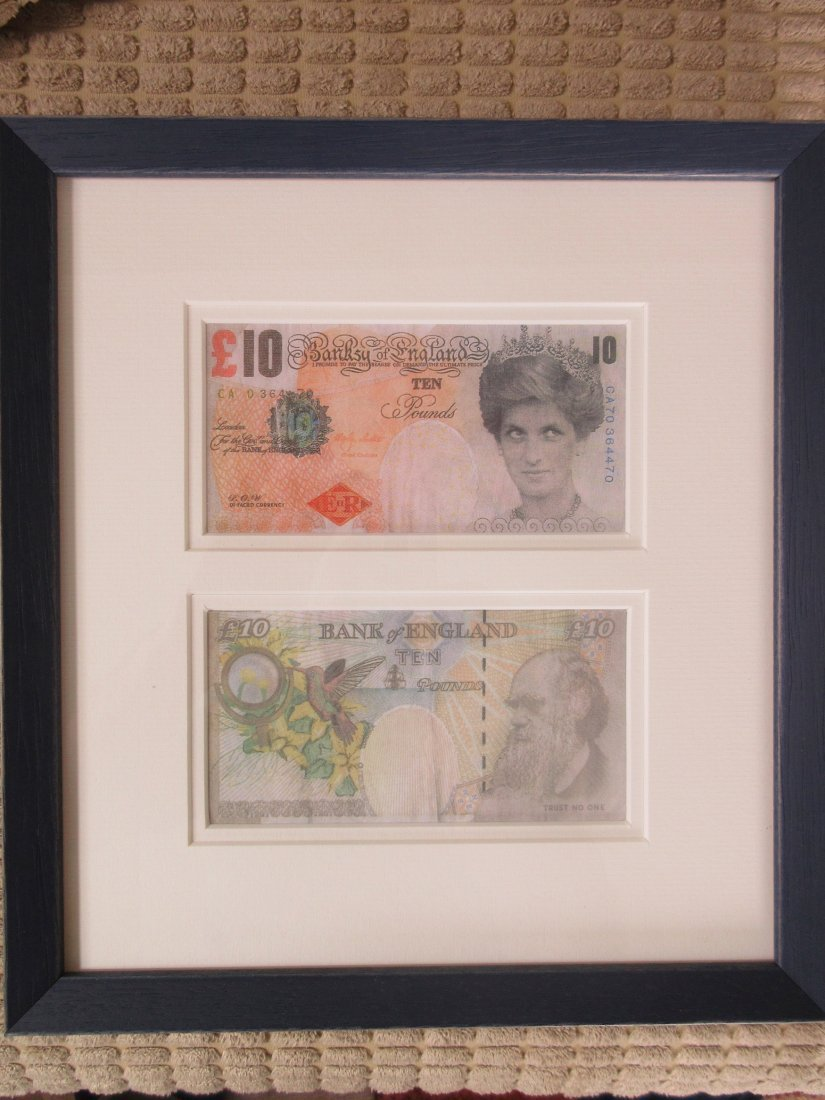 Two framed Banksy Difaced Tenners - 3