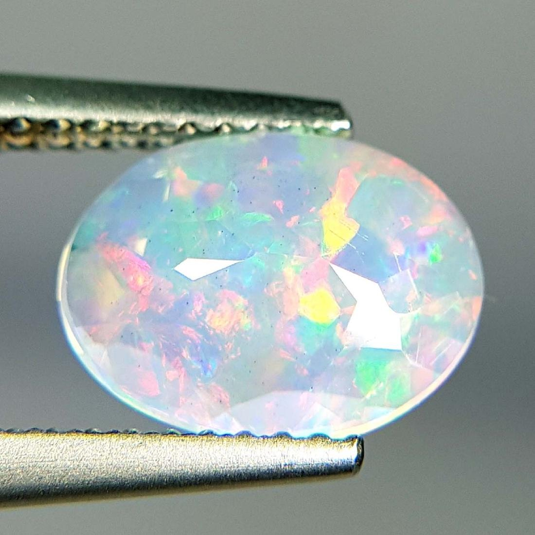 Top Fire Oval Cut Natural Opal  - 1.04 ct - 10
