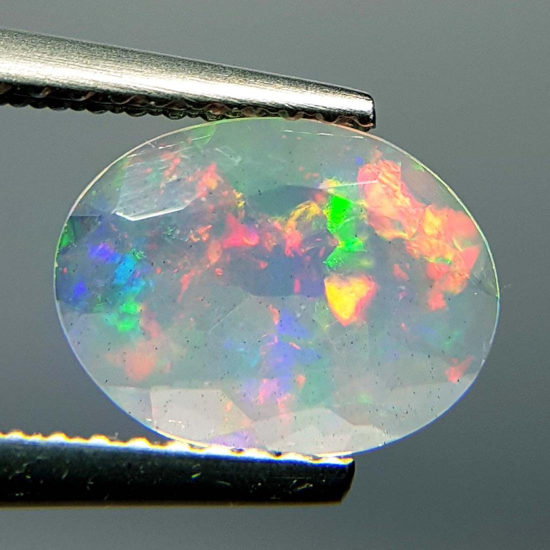 Top Fire Oval Cut Natural Opal  - 1.04 ct - 3