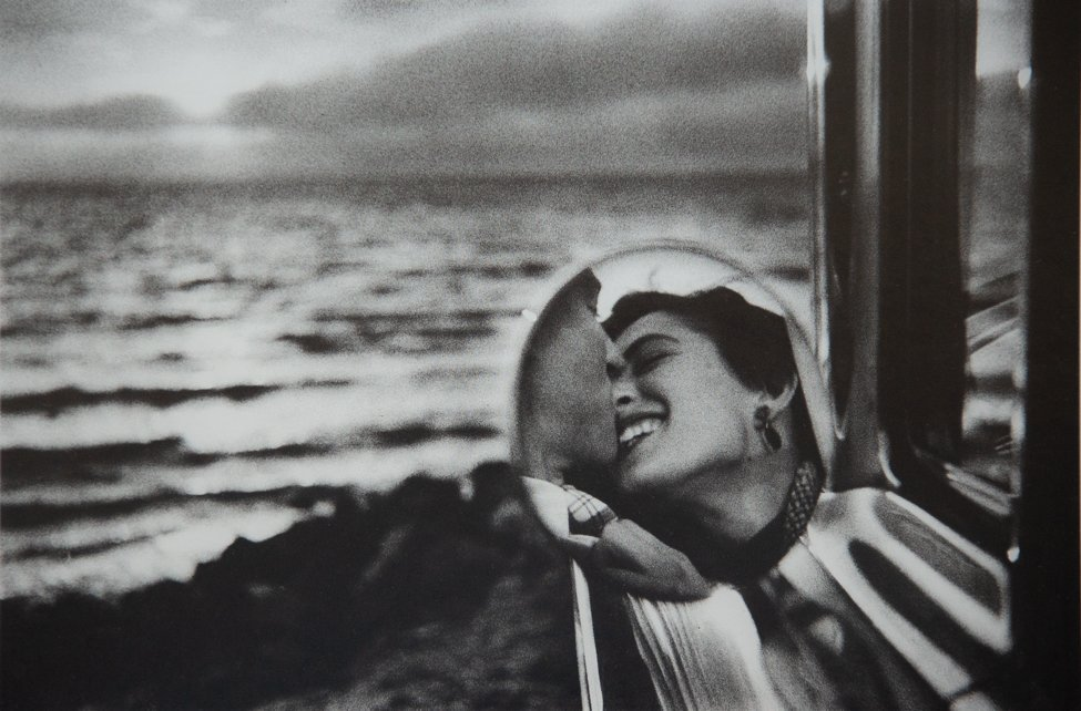 ELLIOTT ERWITT - Rear View Mirror, 1955