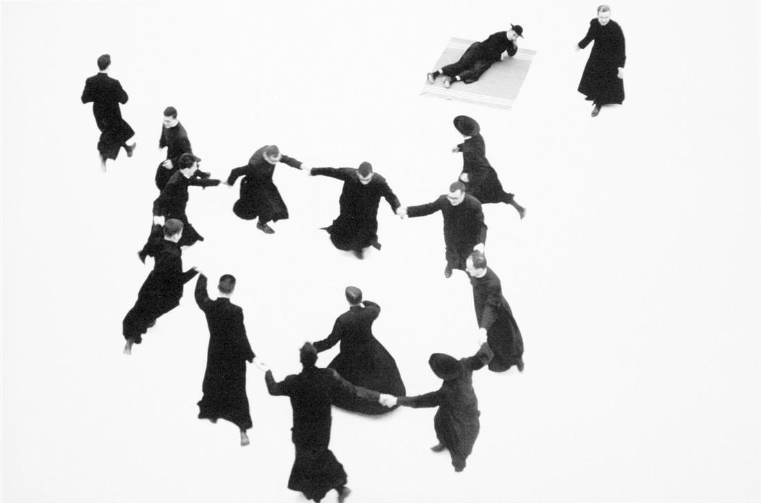 MARIO GIACOMELLI - I don't have hands to stroke my face