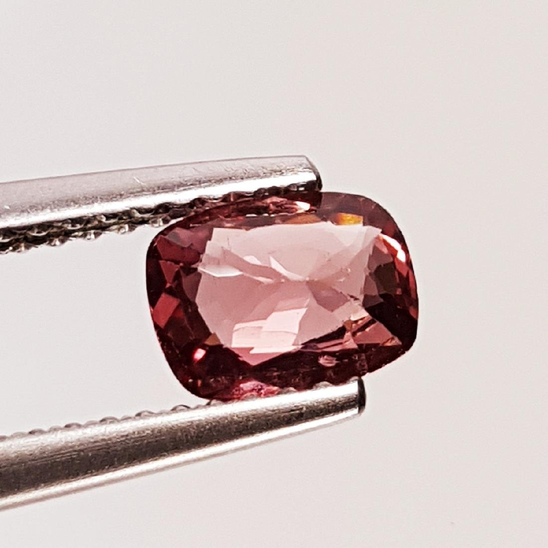 Natural Spinel - 0.78 ct - 3