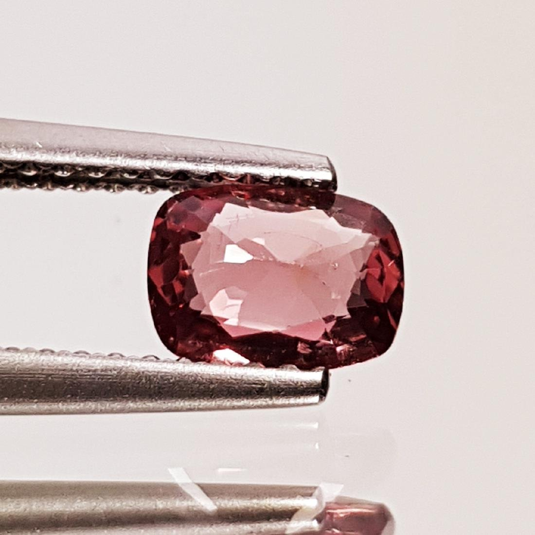 Natural Spinel - 0.78 ct - 4