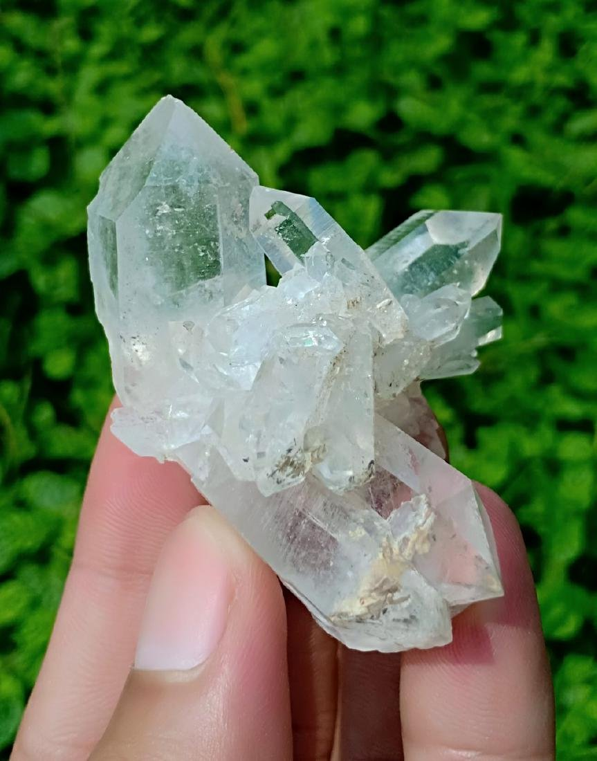 62 Gram Beautiful Quartz Specimen