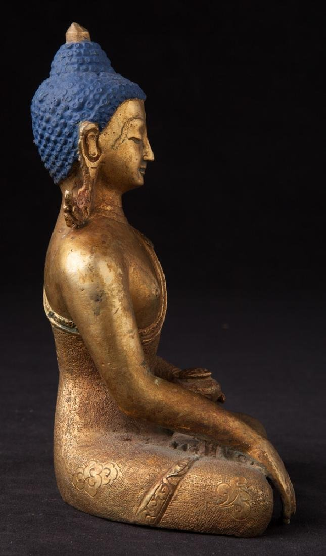 Old bronze Nepali Buddha statue - 5