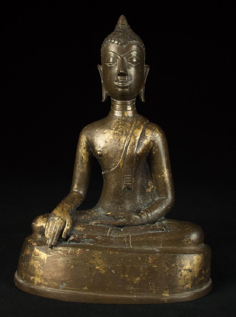 Antique bronze Chiengsean Buddha statue