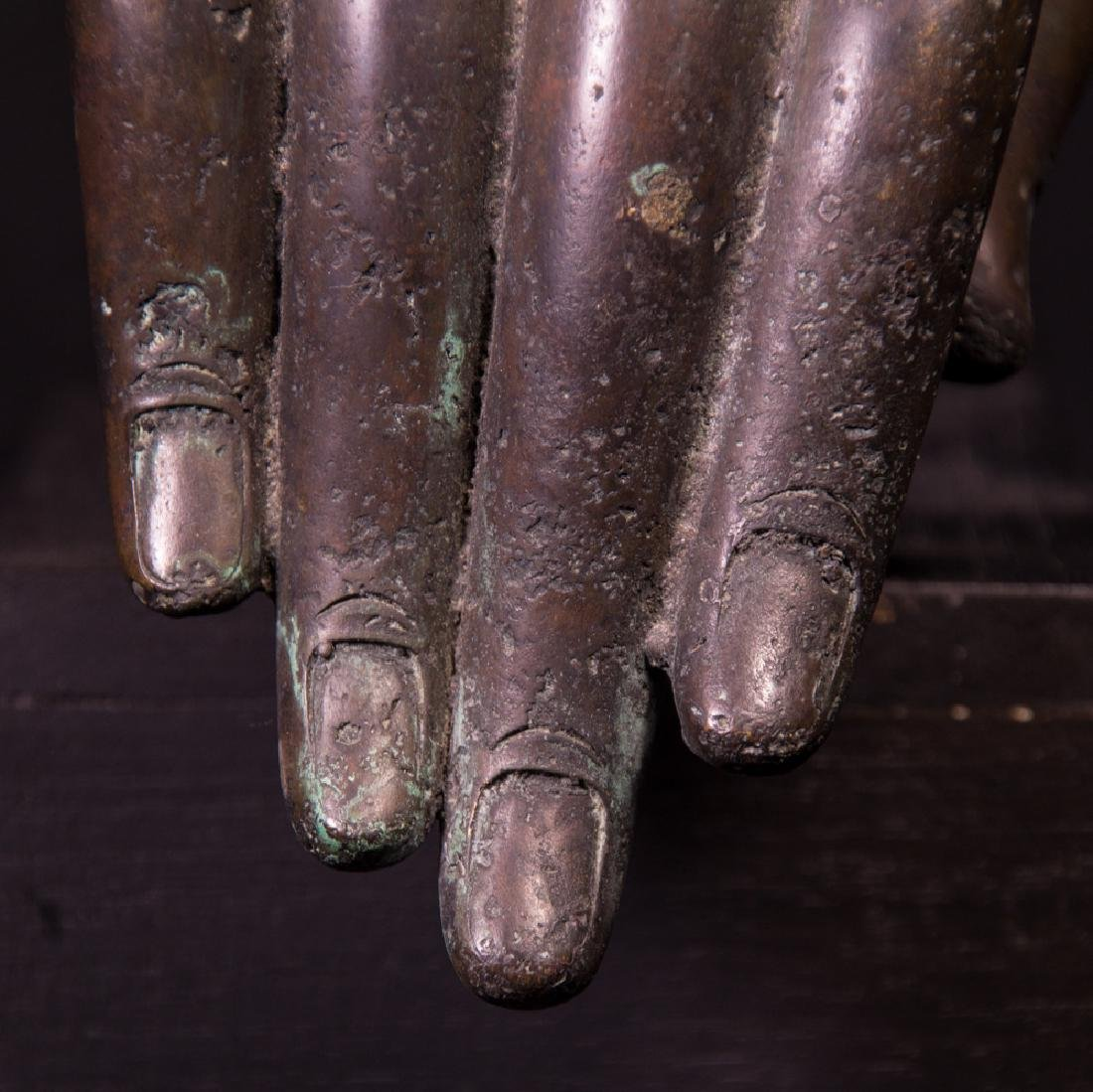 Old bronze Buddha hand - 8