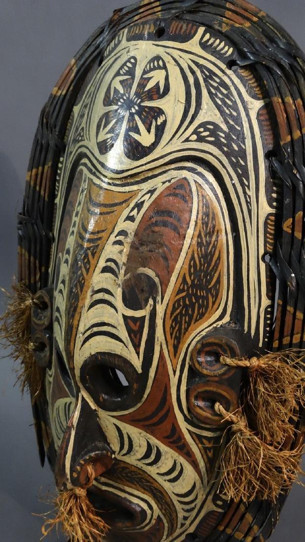 Large Savi mask - IATMUL - Middle Sepik - Papua New - 3