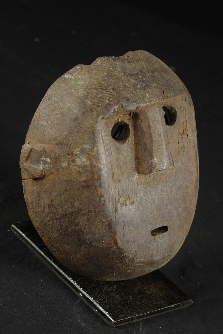 Mask with round shape - 3