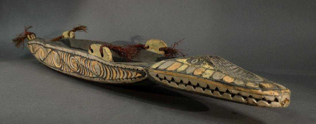 A Hand Carved Model Canoe Sepik - 10