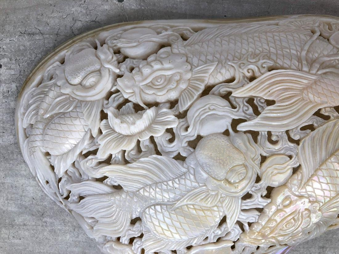 Giant engraved mother of pearl shell - Japanese KOI - 9