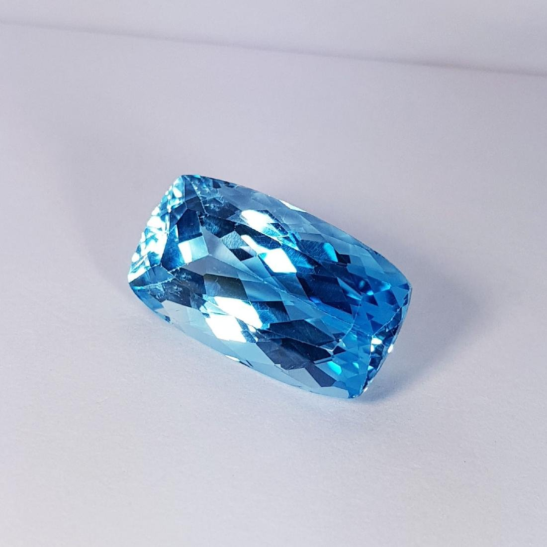 Natural Swiss Blue Topaz - 25.16 ct - 3