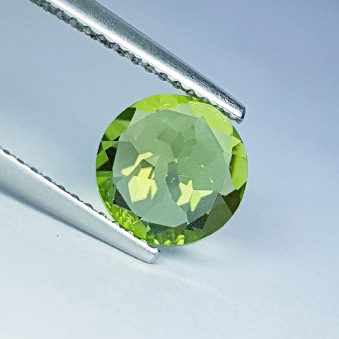 Top Quality Natural Peridot - 1.26 ct - 4