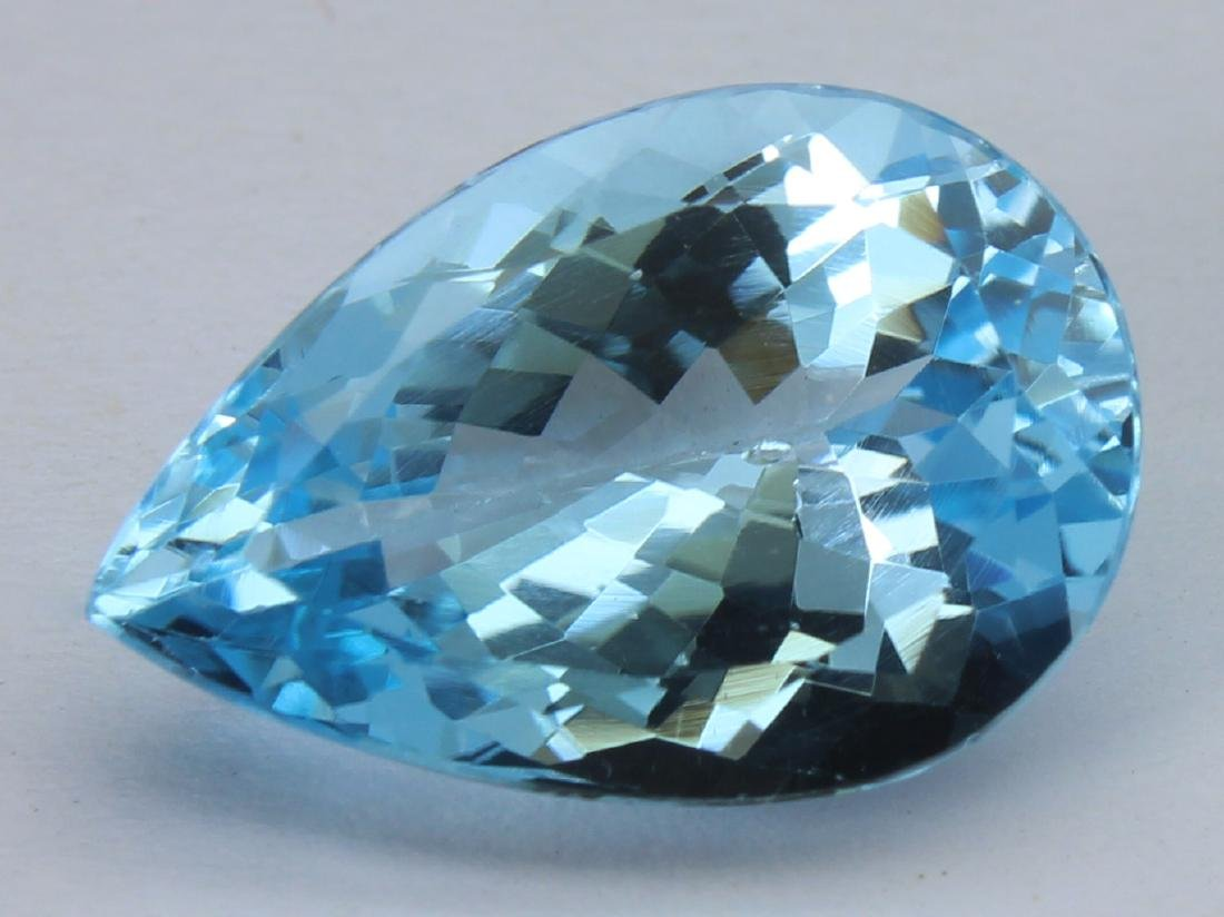 8.60 Ct Natural Blue Topaz - 2