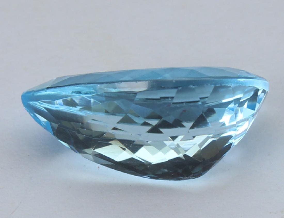 8.60 Ct Natural Blue Topaz - 3