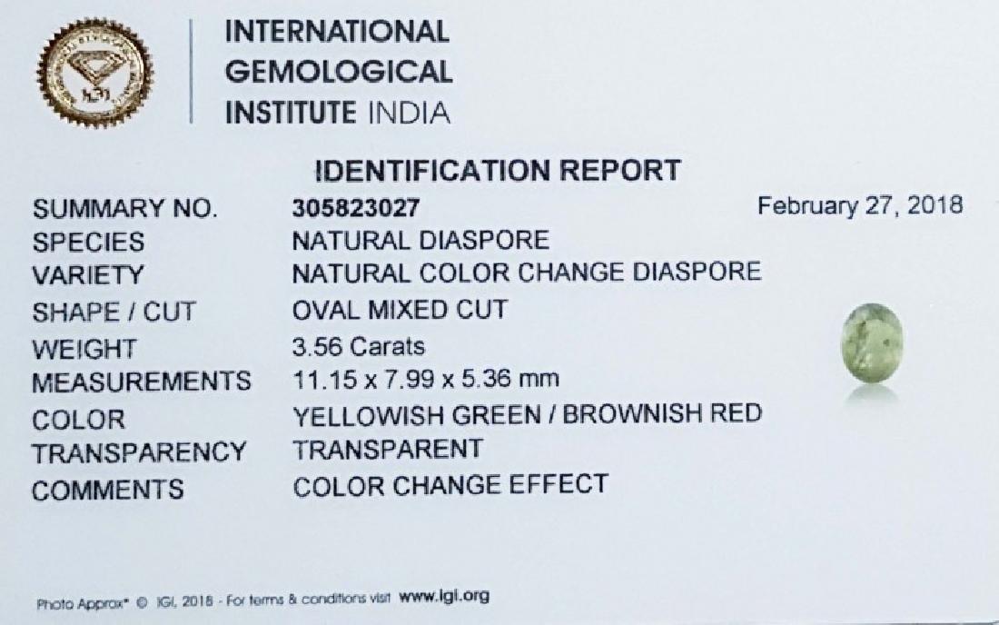 IGI CERTIFIED Natural Color Change Diaspore - 3.56 ct - 5