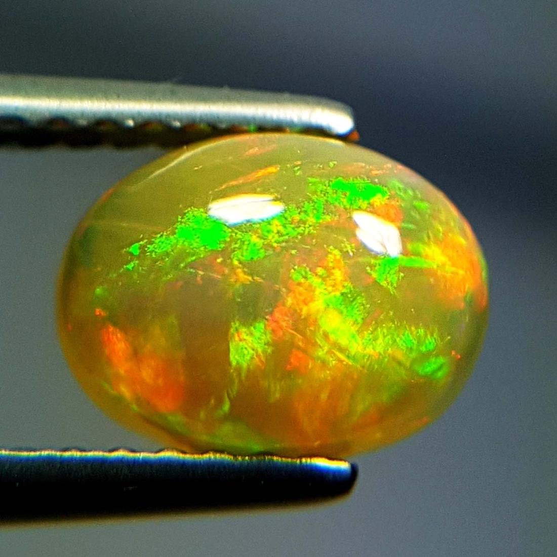 Top Luster Oval Cabochon Natural Opal  - 1.09 ct - 9