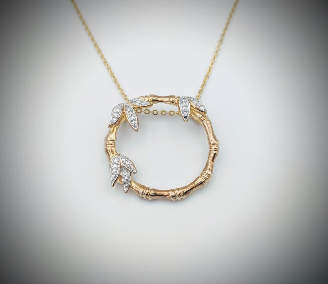 Necklace & Wreath Design Pendant w Diamonds