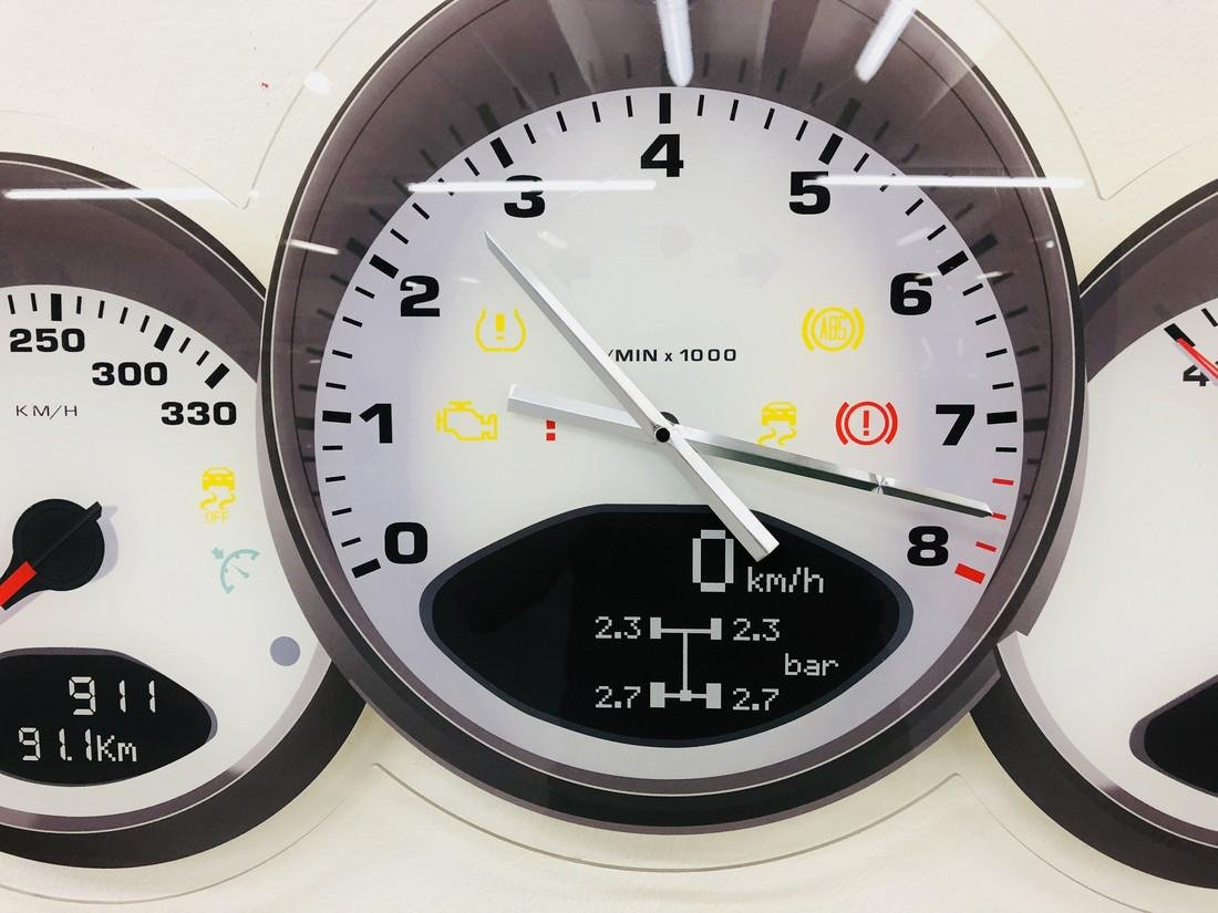 Halmo Porsche Dashboard Wall Clock - 2018 - 7