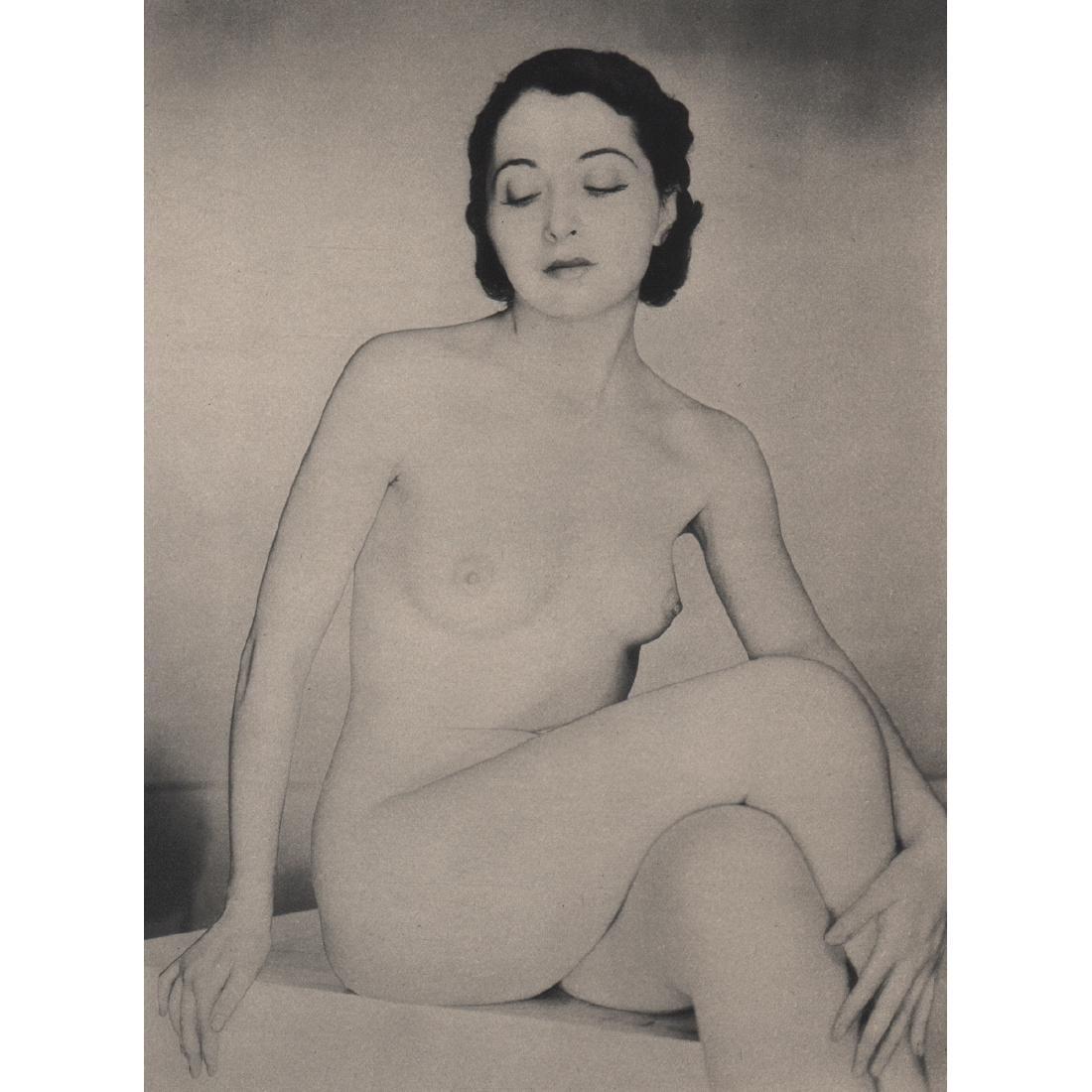 WYNN RICHARDS - Nude