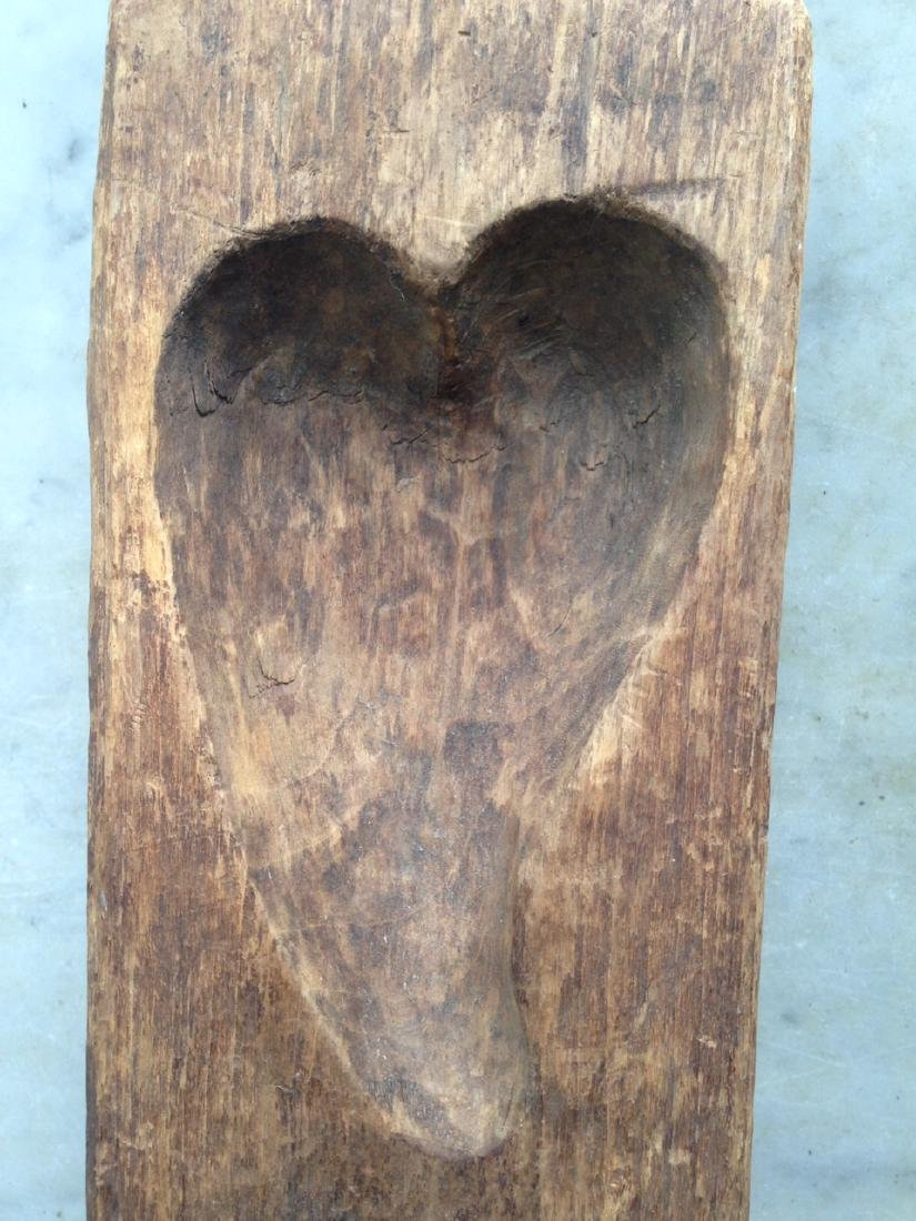 19thc carved wooden double heart mold in GC - 3