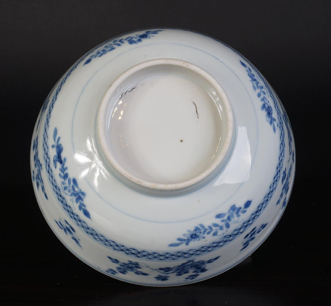 A very nice antique Chinese blue and white bowl - 9