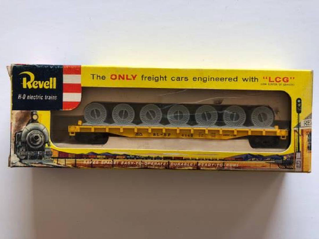 VINTAGE LOT OF HO SCALE ITEMS - 4